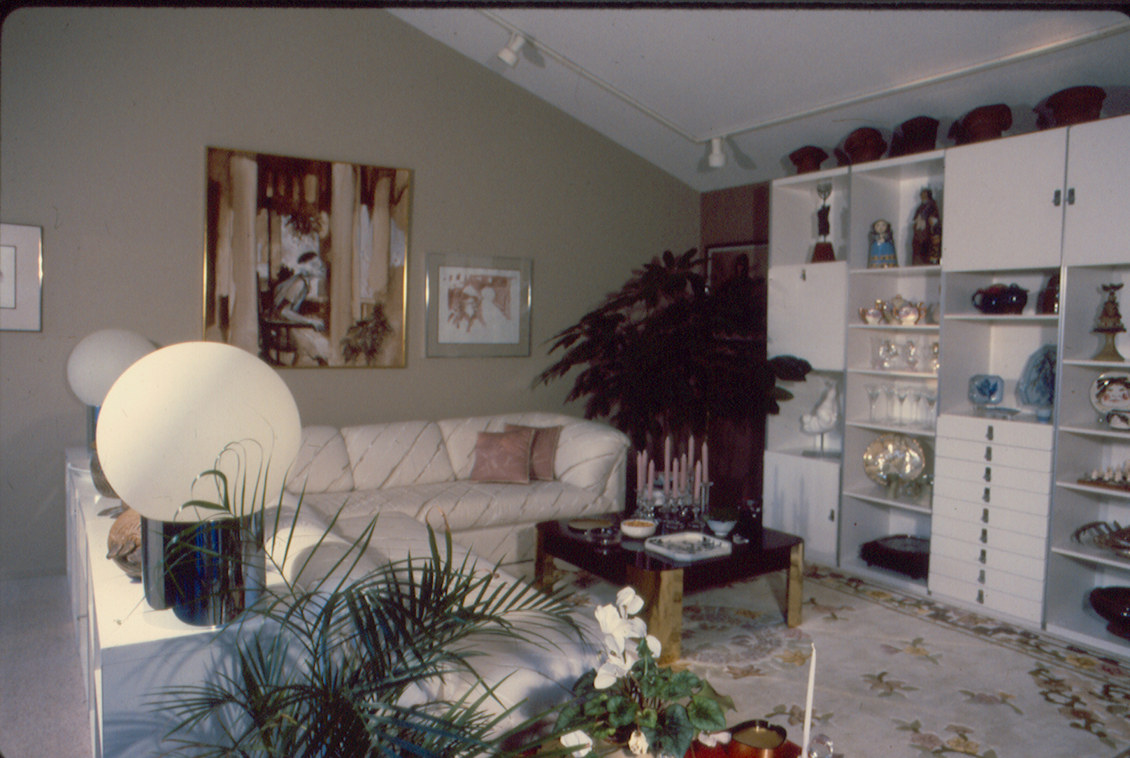 5011belllivingroom.jpg